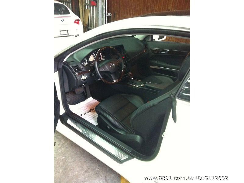 Benz中古車/賓士中古車,E 550中古車,想與眾不同嗎 298萬! 2010 賓士白色兩門全景 在台北都市中一匹唯獨的白馬-圖片3