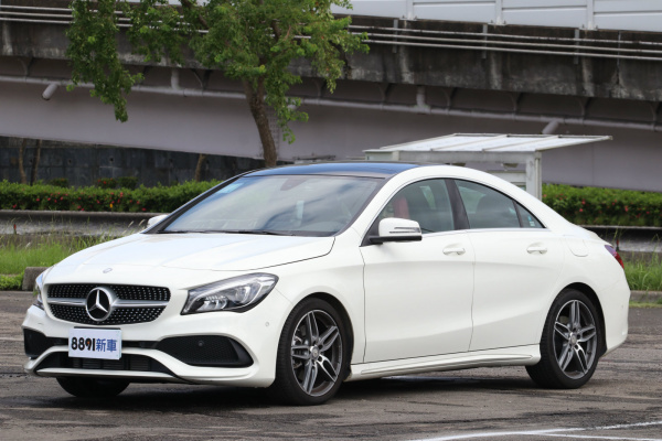 Mercedes-Benz CLA 外觀圖片