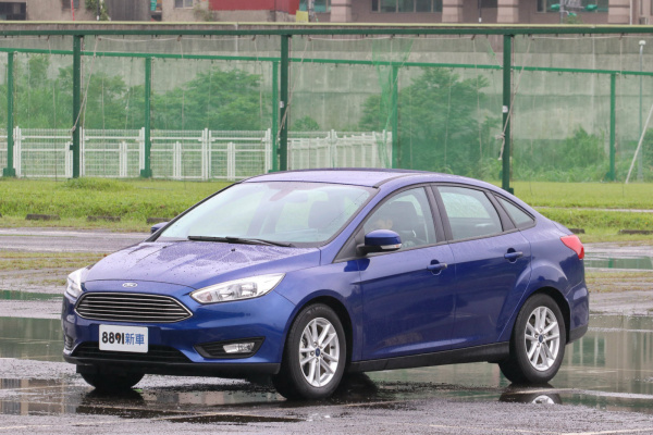 Ford Focus 4D 外觀圖片