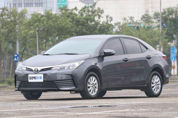 Toyota Corolla Altis 外觀圖片