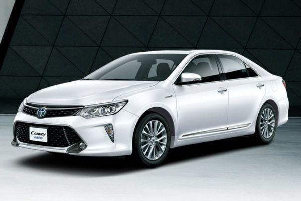 Toyota Camry Hybrid 外觀圖片