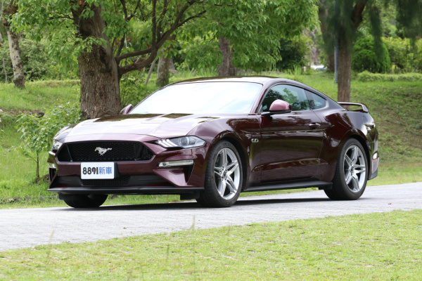 Ford Mustang 外觀圖片